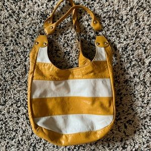 Innue Genuine Leather Tote Bag 💛 Made in Italy.